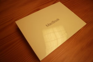 Macbook 整備品箱