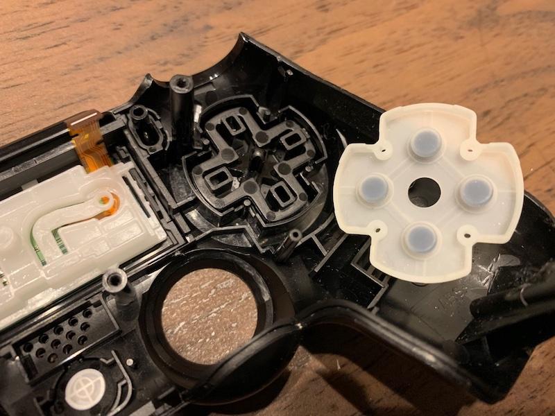 PS4コントローラー 十字キー
