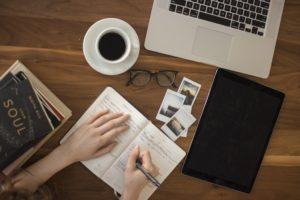 Macbookとコーヒーとメモ
