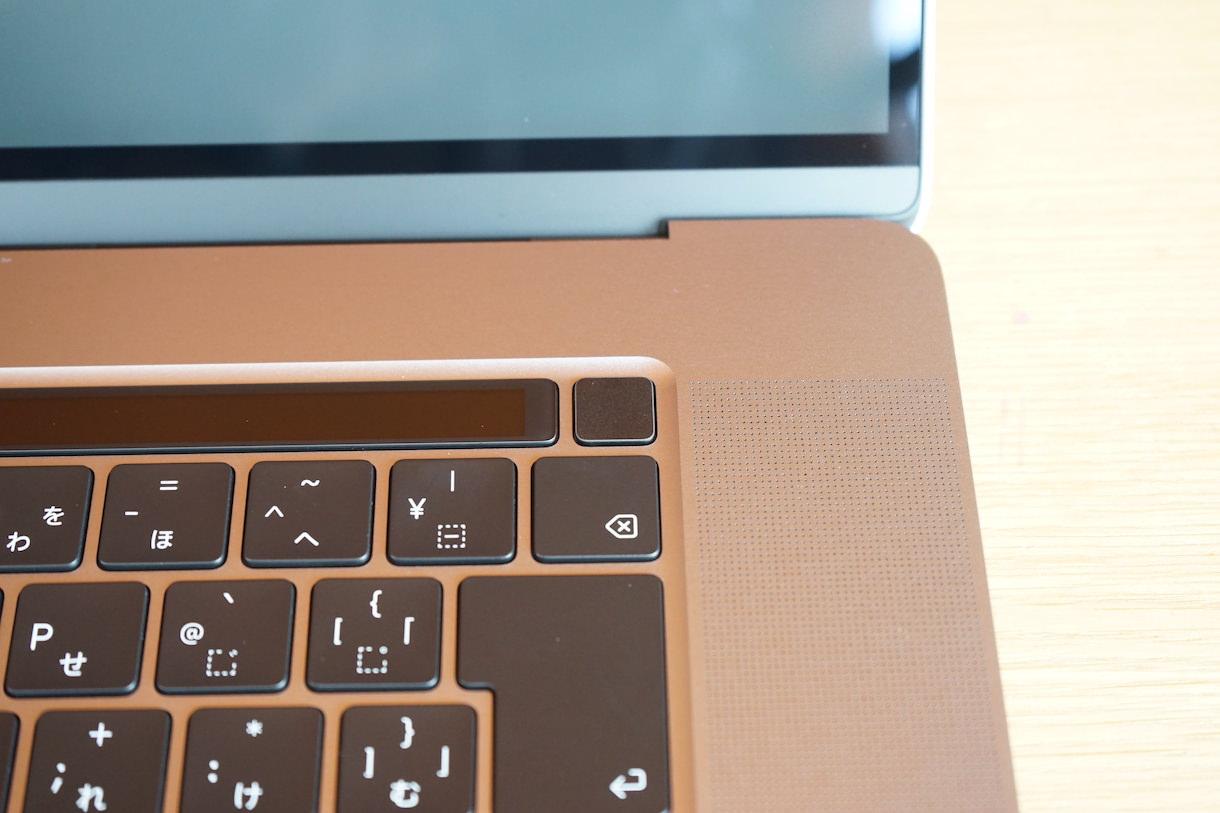 MacbookPro16インチのTouchBarとTouchID